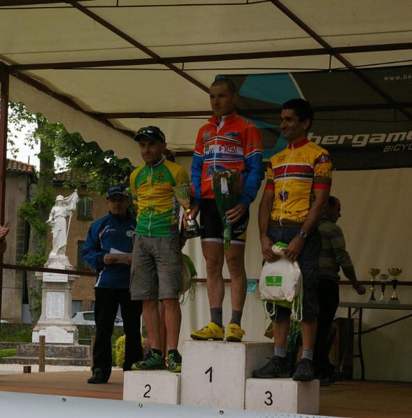 Pdium scratch du circuit 28km 1-Laurent Bibet 2-Pasquet Daniel 3-Confolens Eric