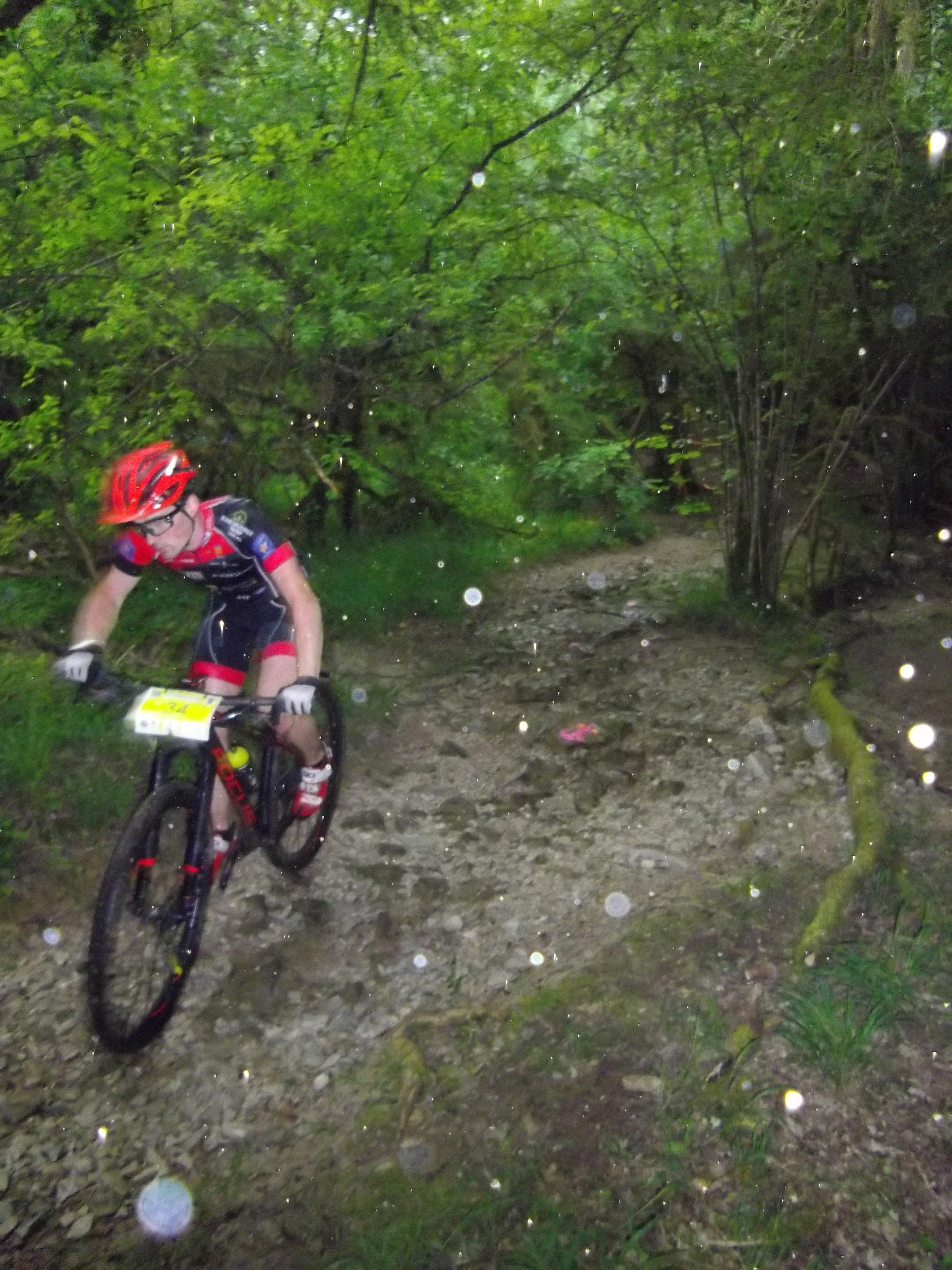 Etienne Puech du team Focus Aveyron au passage de La Gourgue