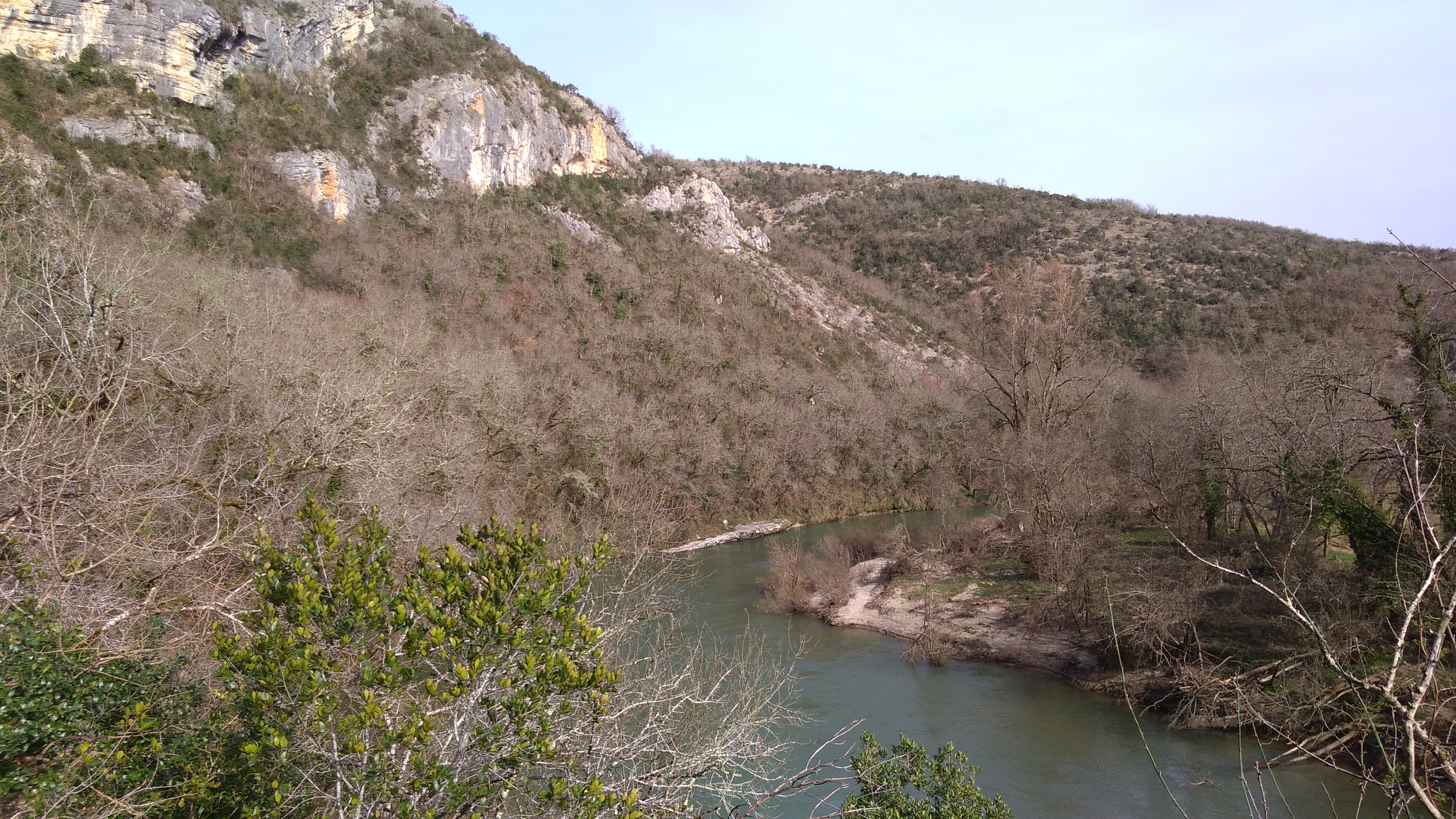 L'Aveyron a regagné son lit après les fortes pluies de ces derniers jours.